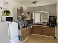Kuchyně - chata k pronájmu Hůrka