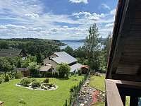 Výhled z balkonu - pronájem chaty Hůrka