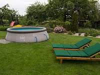 Bazén - chalupa ubytování Pařezská Lhota
