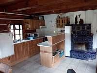 kuchyň - chalupa k pronájmu Brada