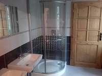 koupelna přízemí - chalupa ubytování Rovensko pod Troskami - Václaví