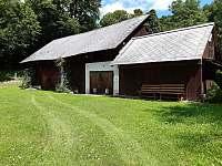 stodola s pergolou - chalupa k pronajmutí Zásadka