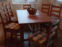 Obývák s jídelním koutem - Zbirohy