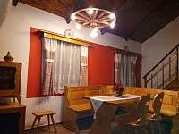 chata Amálka - společenská místnost - ubytování Pecka