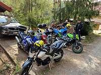 parkovani_chata_Amalka_Pecka_motorkari (2019) -