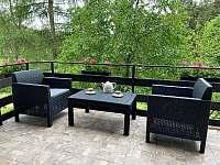 Posezení na balkoně u kávy chata Amálka Pecka -