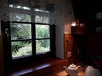 okno z kuchyně - Samšina