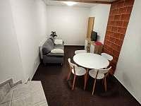 Apartmán pro čtyři, obývací část - Turnov