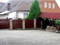 Apartmány Svatý Jan Turnov, parkoviště -
