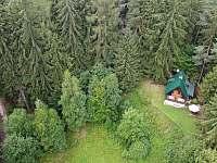 Foto z dronu 2 - chata k pronájmu Pařezská Lhota