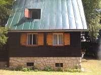 pohled od lesa - chata ubytování Pařezská Lhota