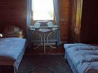 1. pokoj - pronájem chaty Ohrazenice