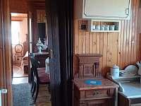 Pohled z chodby - chata k pronajmutí Ohrazenice