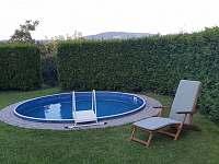 bazén a výhled na Kozákov - apartmán k pronájmu Turnov - Pelešany