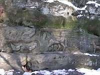 jeden z mnoha reliéfů ve skalách u Kopicova statku - apartmán k pronajmutí Turnov - Pelešany