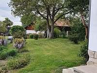 Chalupa Vesec zahrada - k pronájmu