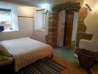 ložnice - apartmán k pronájmu Rovensko pod Troskami