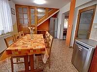 Kuchyň 6 míst, plně vybavená + myčka. - pronájem chalupy Pecka