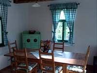 obývací pokoj - chalupa k pronájmu Chuchelna-Komárov