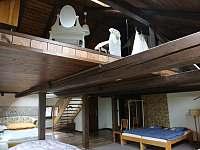 Prostor ložnice č. 2 a 3 - pronájem chalupy Střížovice
