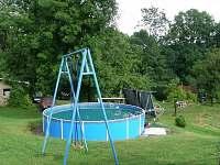 bazén - chatky ubytování Kyje