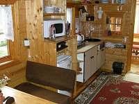 SRUB kuchyňka - chatky k pronájmu Kyje