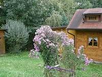 v případě zájmu o romantiku můžete použít i kadibudku - chatky ubytování Kyje