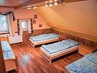 Pokoj 1 v horním patře - pronájem chalupy Svojek