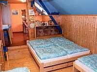 Pokoj 2 v horním patře - pronájem chalupy Svojek