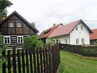 Chalupa k pronájmu - okolí Újezdce