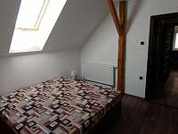 První ložnice - pronájem apartmánu Jičín