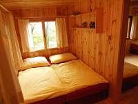 Ložnice se dvěmi válendami - chata k pronajmutí Tatobity