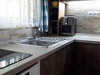 Kuchyně - chata k pronajmutí Staré Splavy