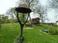 zvonička na zahradě