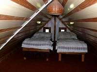 Dřevěnice - chata k pronájmu - 10
