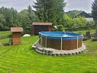 bazén - chata k pronájmu Březka