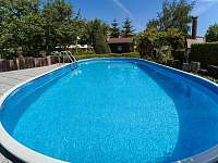 Venkovní bazén - apartmán ubytování Jičín
