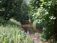 Pohled na řeku před chatou