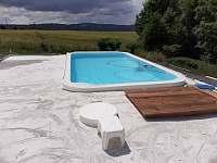 Bazén - chalupa ubytování Karlovice-Roudný