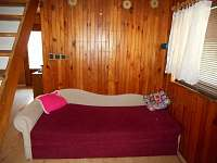 Obývací pokoj /rozkládací gauč/