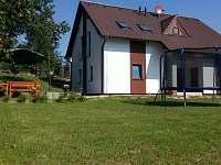 Posezení + trampolína - chata k pronajmutí Žďár u Mnichova Hradiště