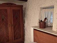 menší ložnička - chalupa k pronájmu Benešov u Semil