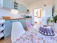 kuchyňka - pronájem vily Lázně Bělohrad