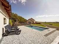 venkovní bazén s terasou - Sychrov - Vrchovina
