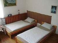 spaní na pokojích - Ploukonice