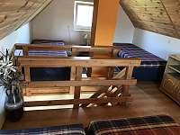 Malý domek - ložnice v patře - Dětenice