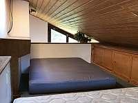 """Velký domek - """"matracové spaní pro děti"""" - chalupa k pronájmu Dětenice"""
