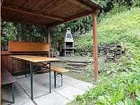 chatička Spálov - venkovní posezení - pronájem