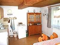 kuchyň a jídelna - chalupa ubytování Chloumek