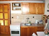 kuchyňský kout - chalupa k pronajmutí Chloumek